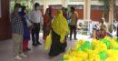 ঝিনাইদহে দুস্থ মা ও শিশুদের মাঝে ঈদ উপহার বিতরণ